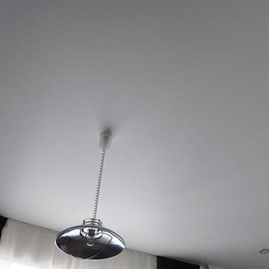 Матовые натяжные потолки, их особенности и уход